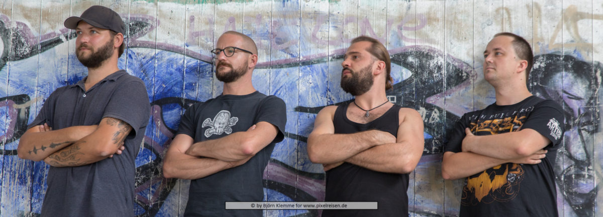 Vostok Import V.l.n.r. Chris (Gitarre), Andrey (Bass / Gesang), Sergej (Gitarre / Gesang), Philipp (Drums / Gesang)